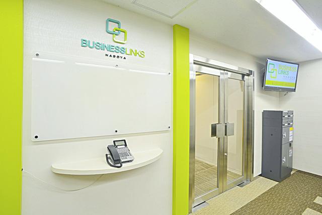 レンタルオフィスの入り口インターフォン
